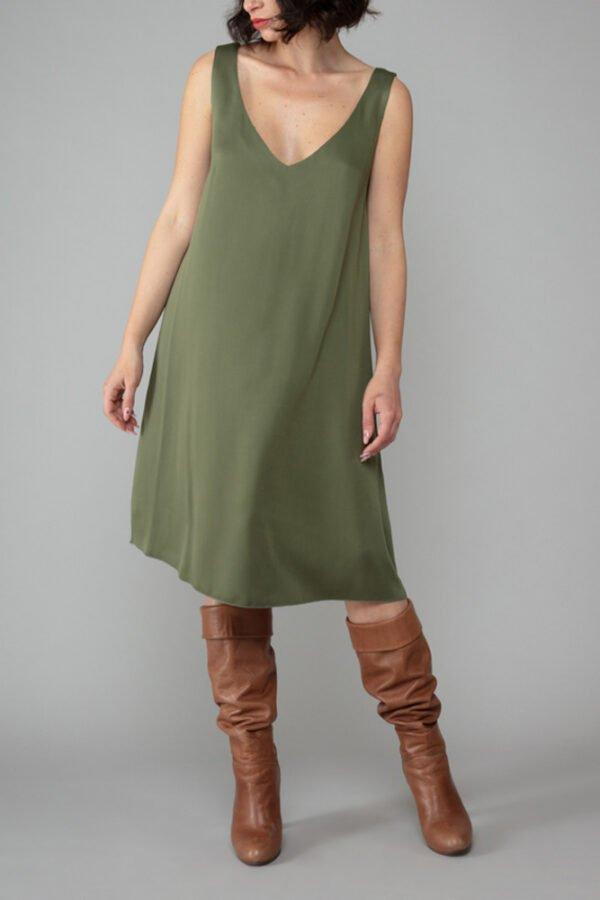 abito nina verde militare sottoveste elegante moda inclusiva made in italy