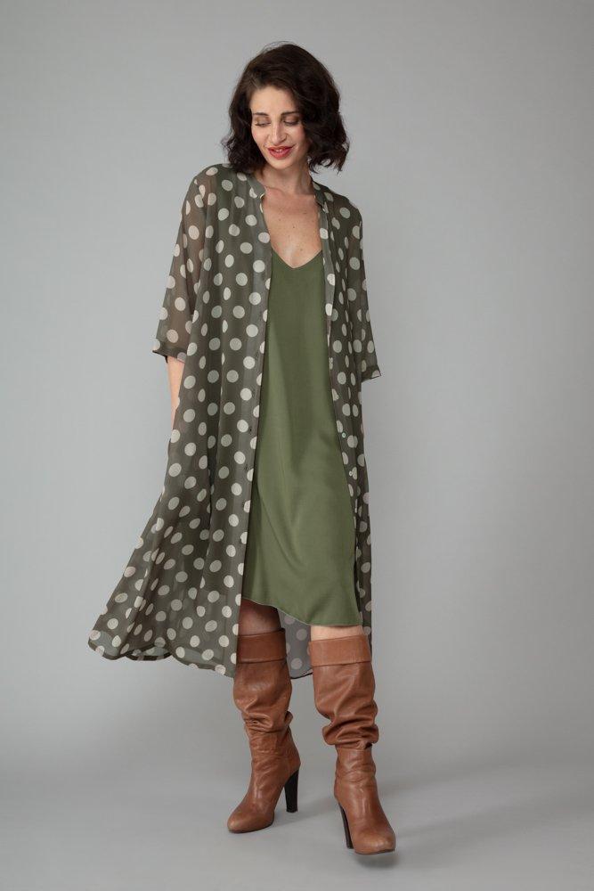 abito nina verde militare sottoveste elegante moda inclusiva